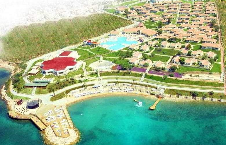 Palm Wings Beach Resort - Hotel - 0