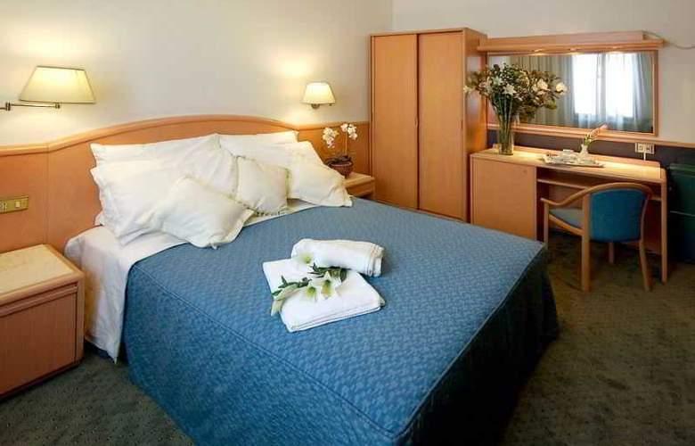 ALFA FIERA HOTEL - Room - 7