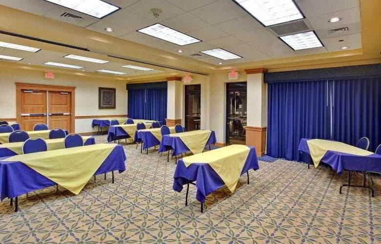 Holiday Inn Express Flagstaff - Hotel - 2