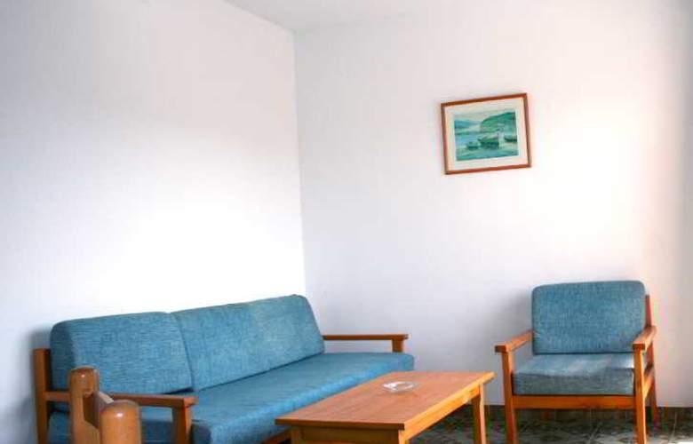 Sureda - Room - 7