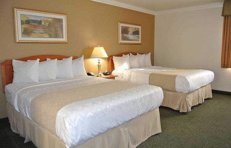 Best Western Town & Country Hotel - Hotel - 25