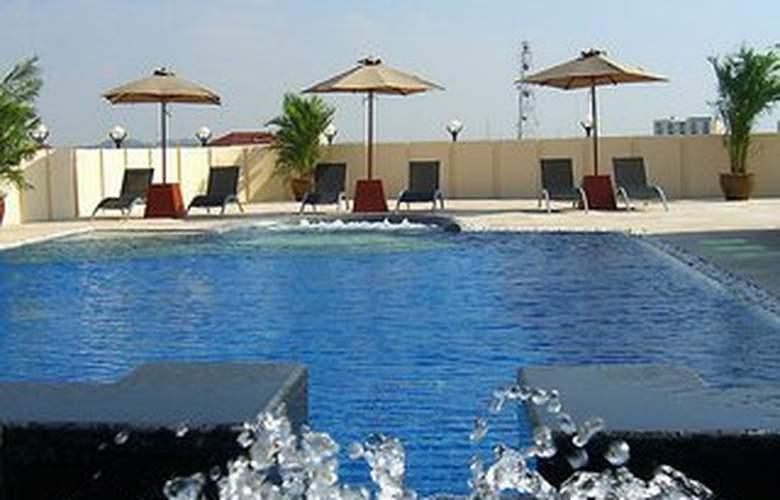 Nova Suites - Pool - 6
