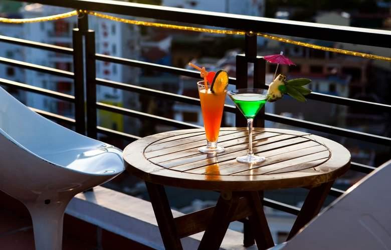 Romance Hotel Hue - Terrace - 6