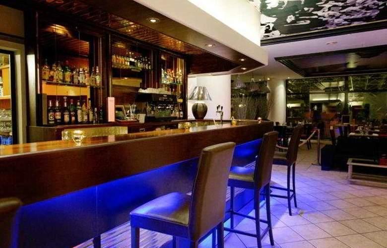 Arles Plaza - Bar - 5