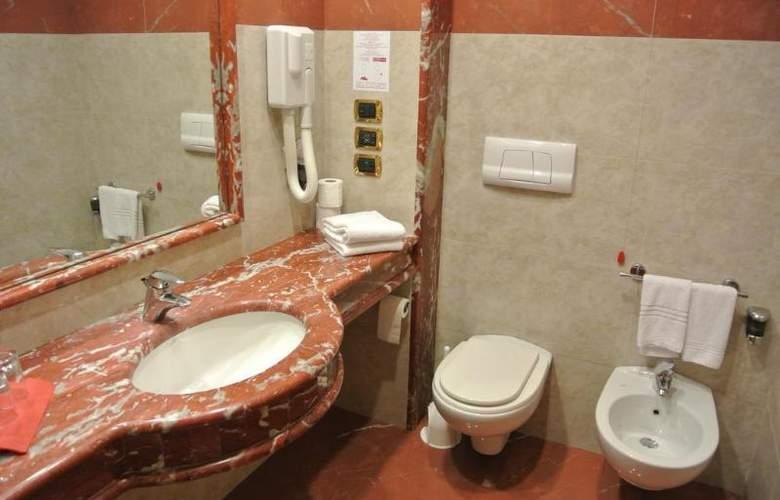 Grand Hotel La Chiusa Di Chietri - Room - 17