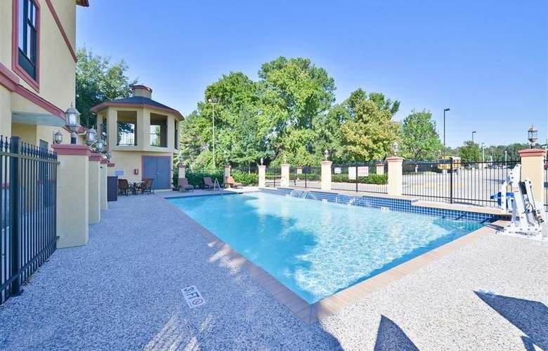 Best Western Greenspoint Inn and Suites - Pool - 142