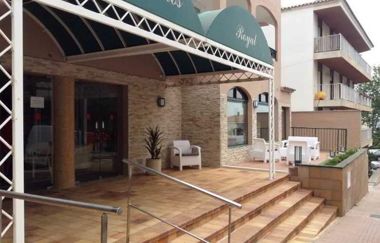 Apartamentos Turísticos Royal Life - Hotel - 7