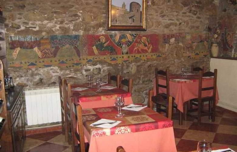 Pensión Hostal Rusó - Restaurant - 4