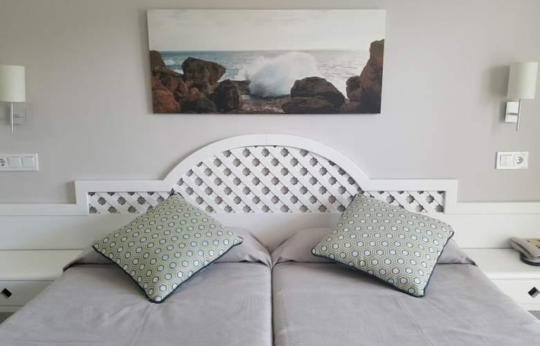 Pinos Playa - Room - 7