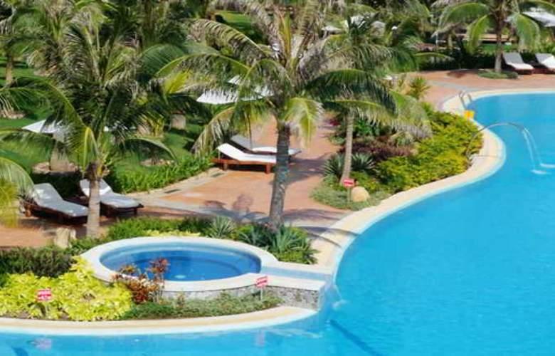 Pandanus Resort - Pool - 13