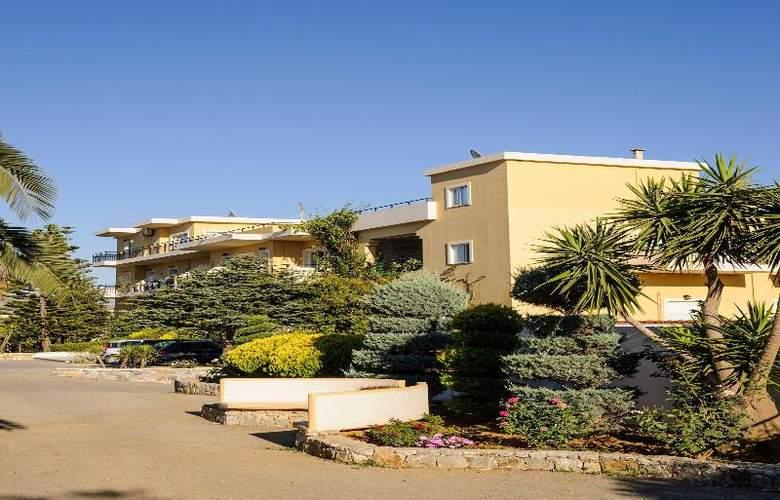 Vantaris Garden and Vantaris Corner - Hotel - 1