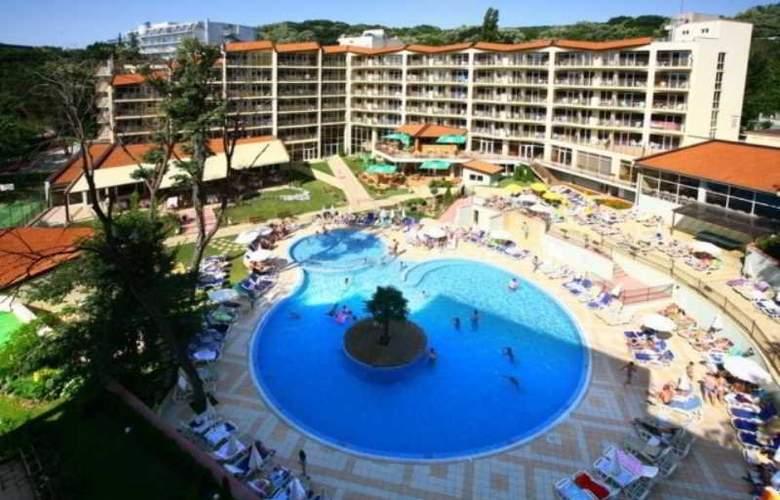 Smartline Madara - Hotel - 8