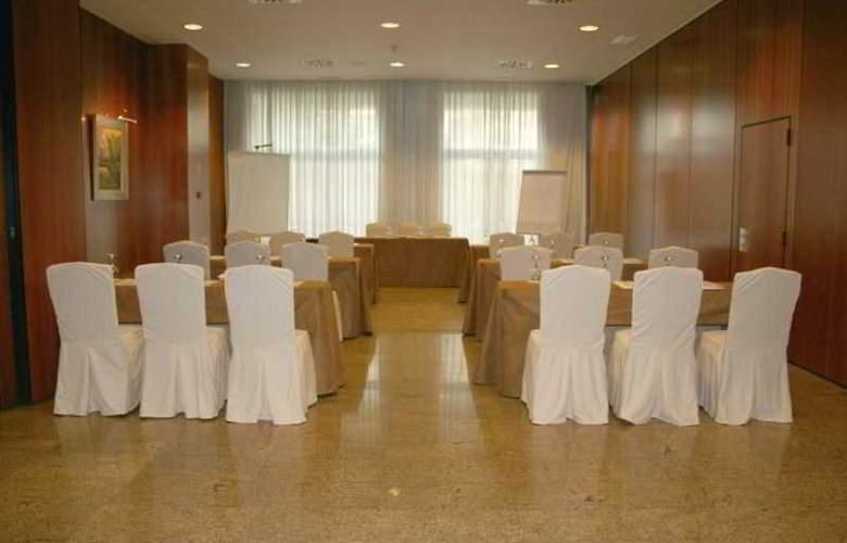 Egido las Provincias - Conference - 9