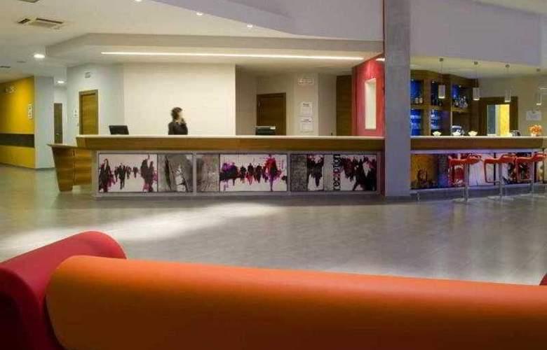 Holiday Inn Express Milan-Malpensa Airport - Hotel - 3