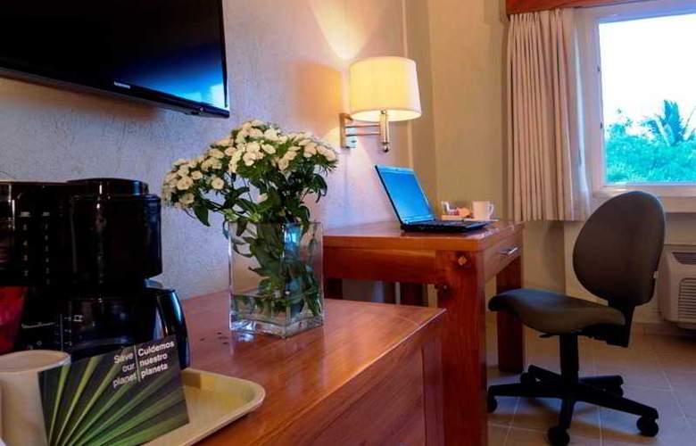 Comfort  Inn Puerto Vallarta - Room - 17