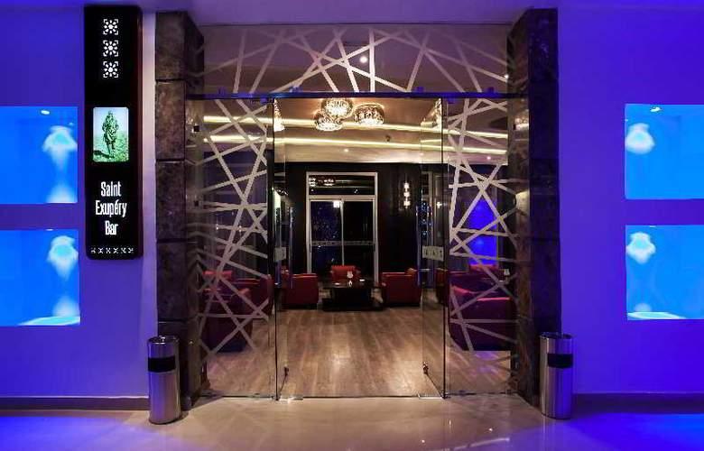 Atlas Sky Airport Hotel - Bar - 23