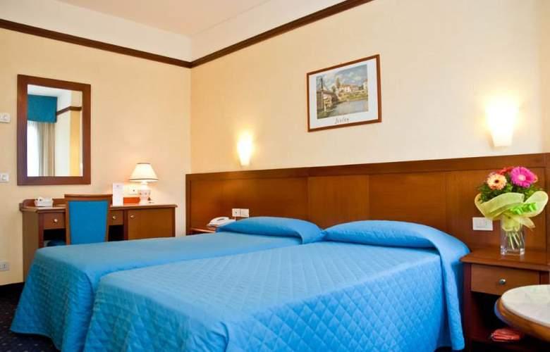 Raffaello - Room - 2