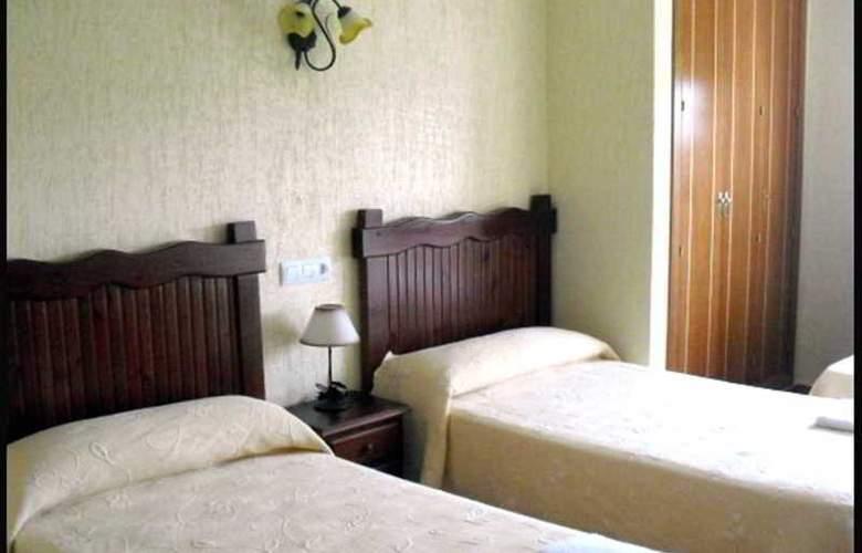 Hotel Restaurante La Plata - Room - 6