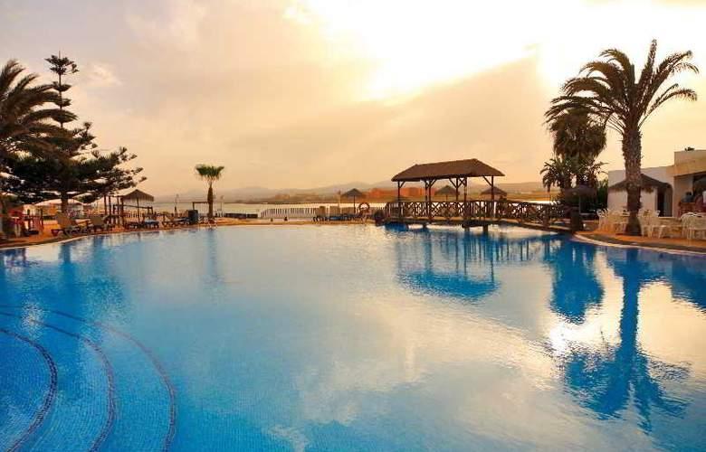 Barceló Castillo Beach Resort - Pool - 3