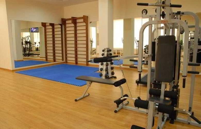 Ani Plaza Hotel - Sport - 9