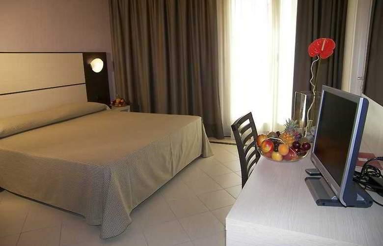 CDH Hotel La Spezia - Room - 4