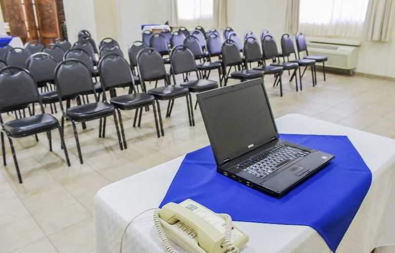 Comfort Inn Tampico - Conference - 34