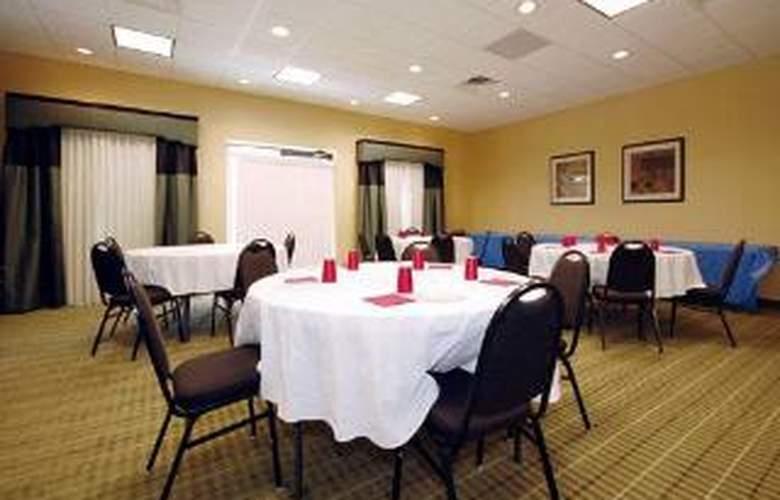 Comfort Inn & Suites Monggomery - General - 2
