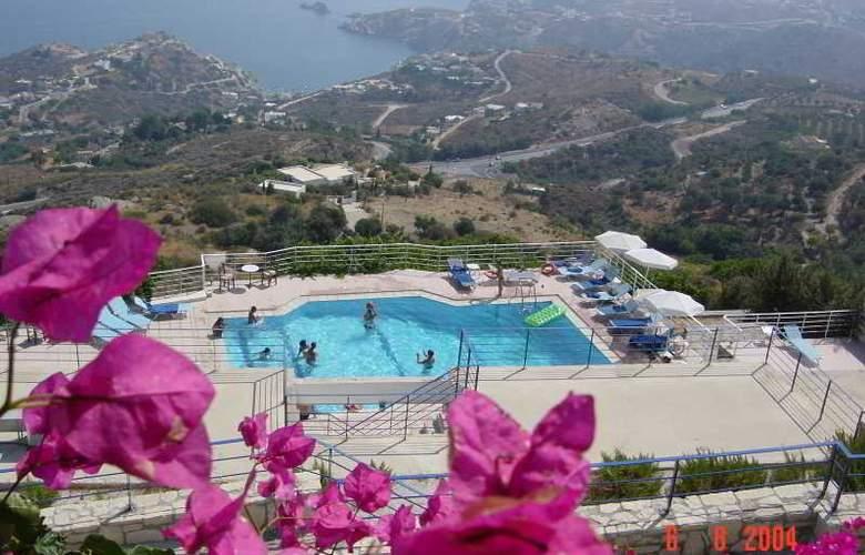 Nymphes Luxury Apts - Pool - 4