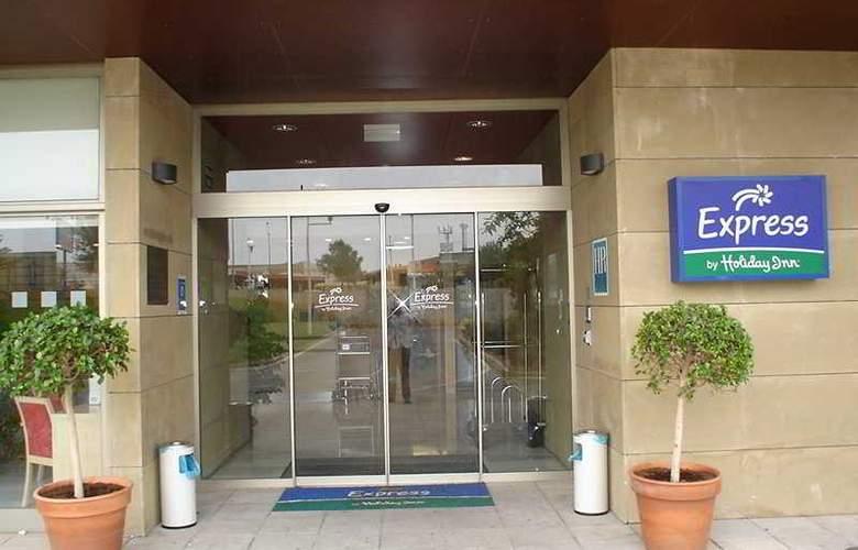 Holiday Inn Express Valencia Bonaire - Hotel - 4