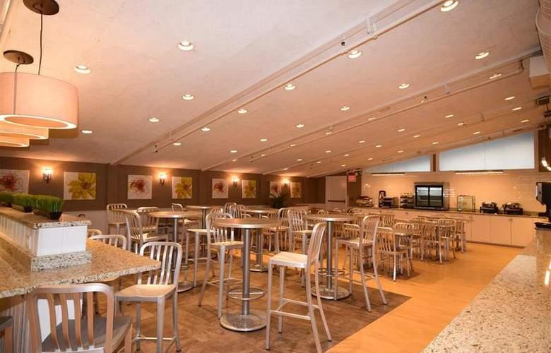 Best Western TLC Hotel - Restaurant - 82