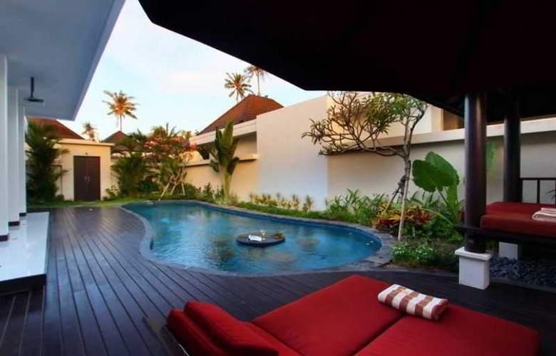 D  Residence Tanjung Benoa - Pool - 14