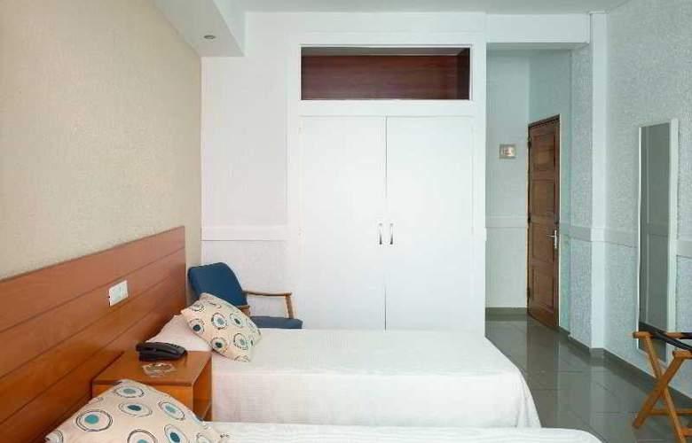 Atlanta - Room - 6