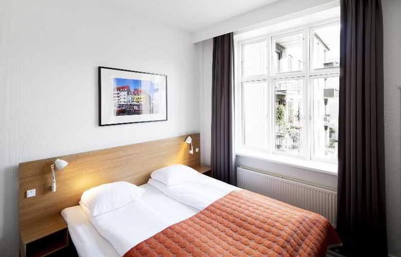 Copenhagen Crown - Room - 17
