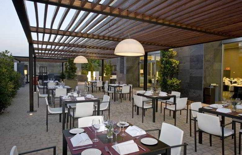 Rafaelhoteles Forum Alcala - Restaurant - 45