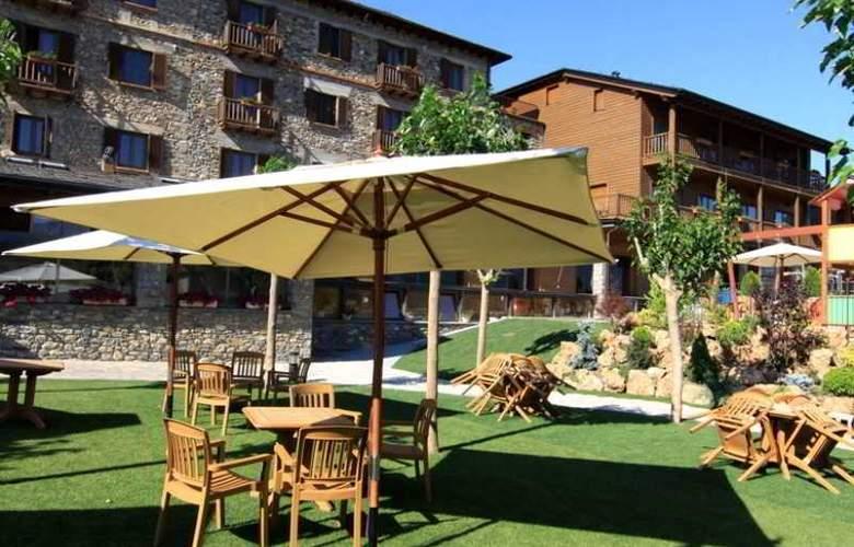 Muntanya & SPA Hotel - Terrace - 23
