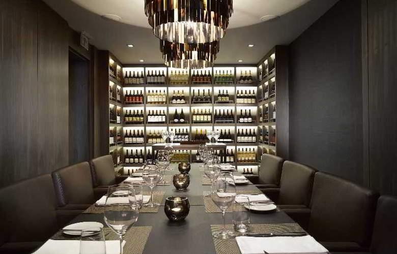 The Emblem Hotel - Restaurant - 28