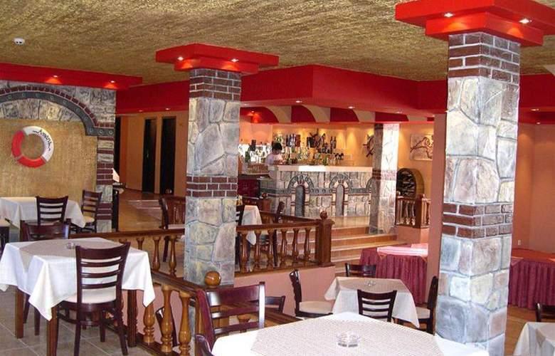 Amaris - Restaurant - 4