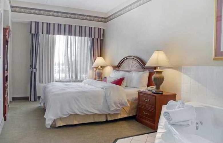 Hilton Garden Inn Bloomington - Hotel - 8