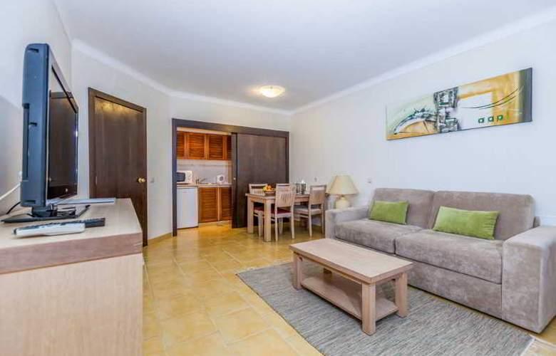 Santa Eulália Hotel Apartamento & Spa - Room - 4