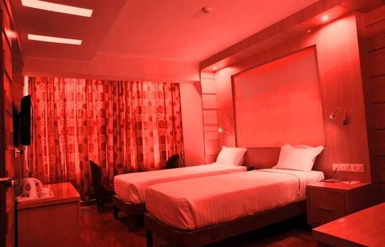 Emarald Hotel - Room - 4