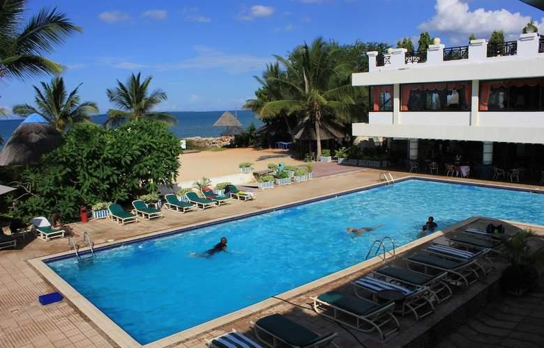 The Beachcomber Hotel & Resort - Pool - 3