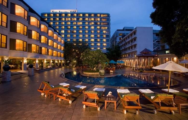 The Bayview Pattaya - Pool - 6