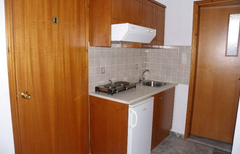 Filoxenia Apartments - Room - 9
