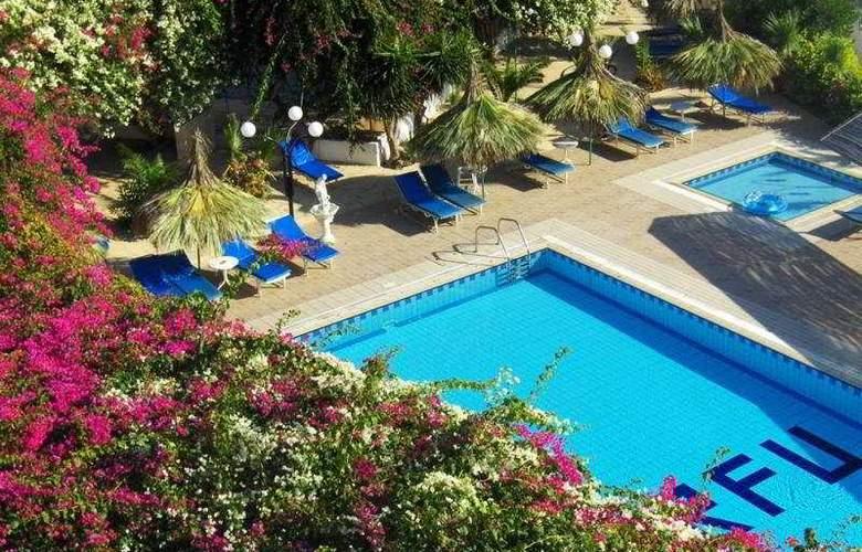 Corfu - Pool - 6
