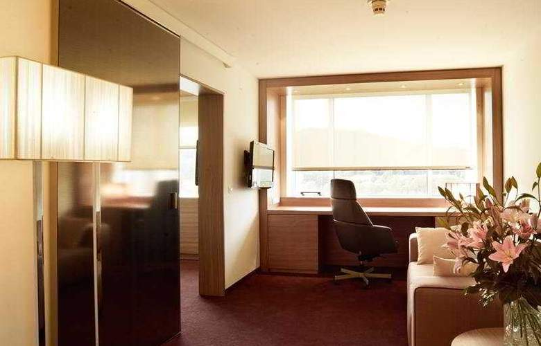 Lev - Room - 3