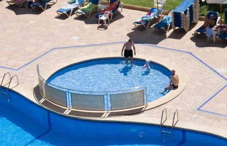 Helios - Pool - 5