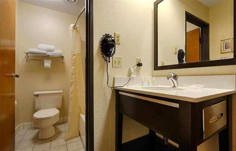 Best Western Plus Inn Of Hayward - Room - 12