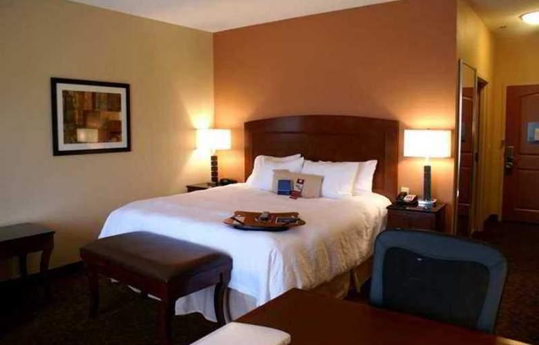 Hampton Inn & Suites Ft. Worth Burleson - Hotel - 3