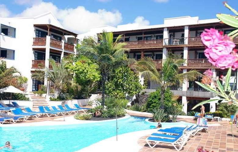 Mansion Nazaret - Pool - 9