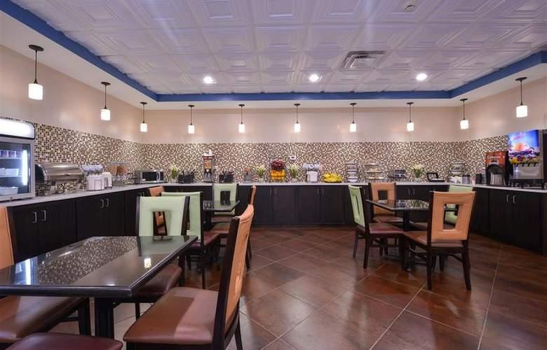 Best Western Bradbury Suites - Restaurant - 113
